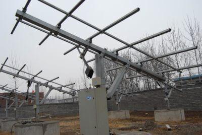 solar tracking actuator